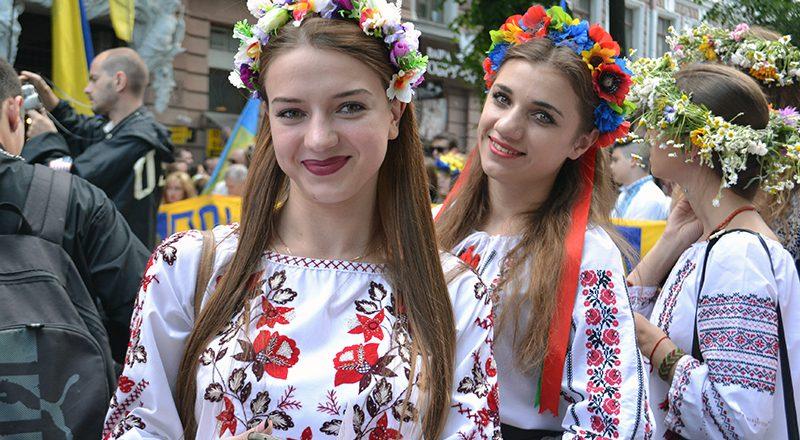 V Odesse proshel mnogotysjachnyj Megamarsh v vyshivankah (2)