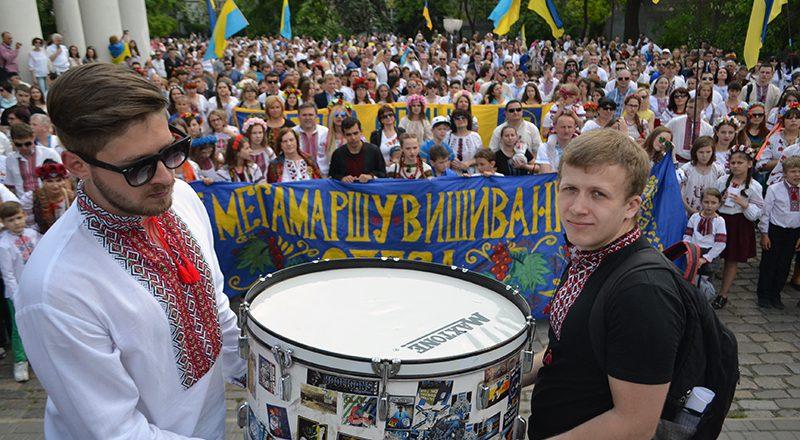 V Odesse proshel mnogotysjachnyj Megamarsh v vyshivankah (4)