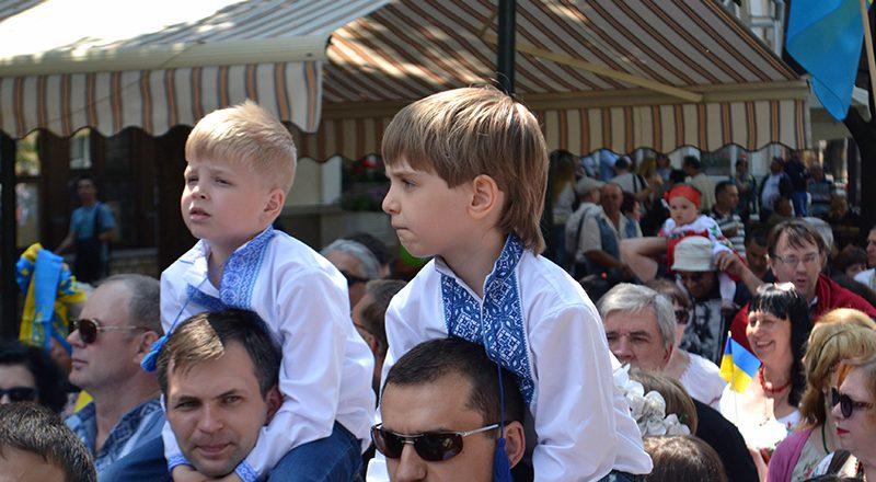 V Odesse proshel mnogotysjachnyj Megamarsh v vyshivankah (6)