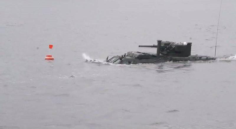 Испытания украинского БТР-4 «Буцефал» на воде