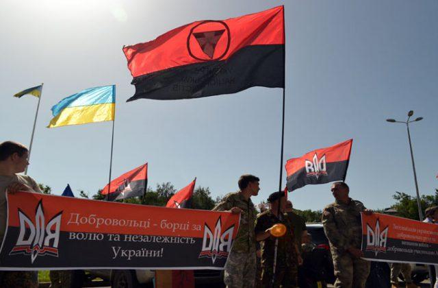 V Odesse bojcy dbrobatov vorvalis' na sessiju oblsoveta (1)
