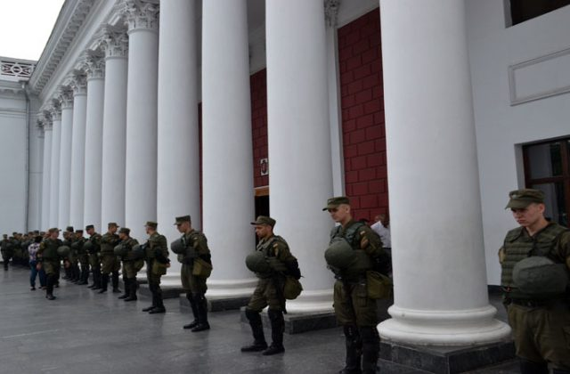 V Odesse trebujut otstavki mjera Truhanova i rospuska gorsoveta (5)