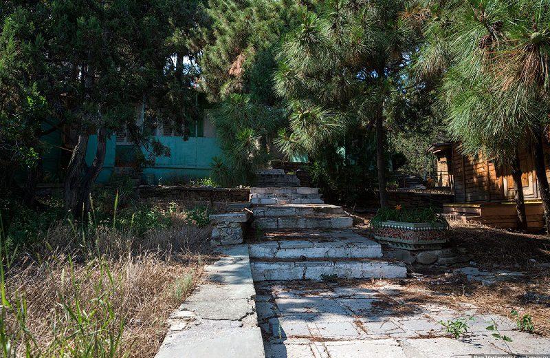 Раньше в этих домиках жили туристы