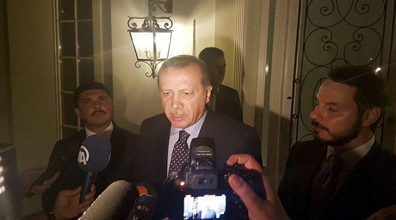 Эрдоган упал без сознания в мечети