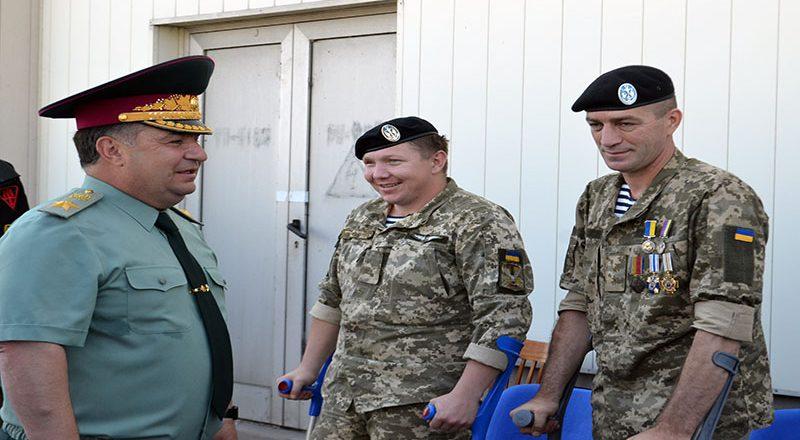 Ministr oborony Ukrainy Stepan Poltorak a prazdnovanii Dnja VMS Ukrainy (3)