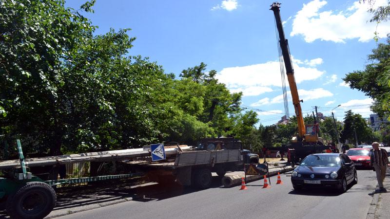 V Odesse kommunal'shhiki ustroili transportnyj kollaps v Arkadii (2)
