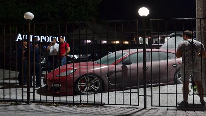 V Odesse v avtosalone vzorvalsja Porsche