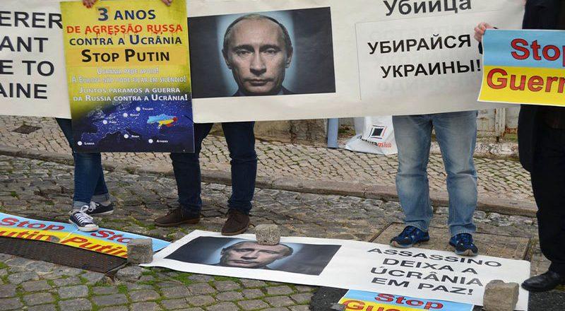 V Portugalii ukraincy sorvali vystuplenie posla Rossii (2)