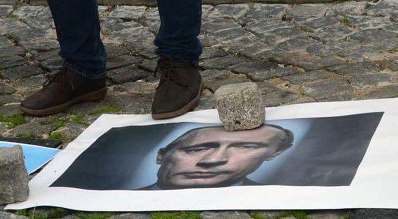 V Portugalii ukraincy sorvali vystuplenie posla Rossii (3)