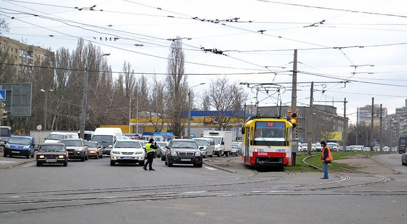 V Odesse na Peresypi ogromnye probki (4)
