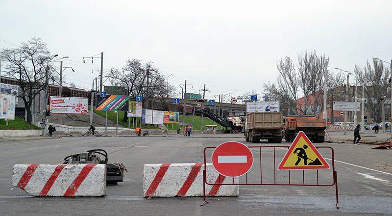 V Odesse perekryli proezd u Peresypskogo mosta – obrazovalis' zatory (1)
