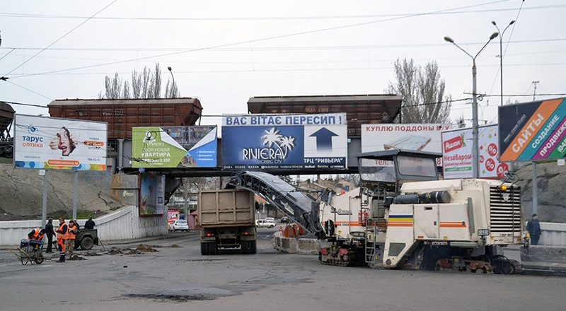 V Odesse perekryli proezd u Peresypskogo mosta – obrazovalis' zatory (2)
