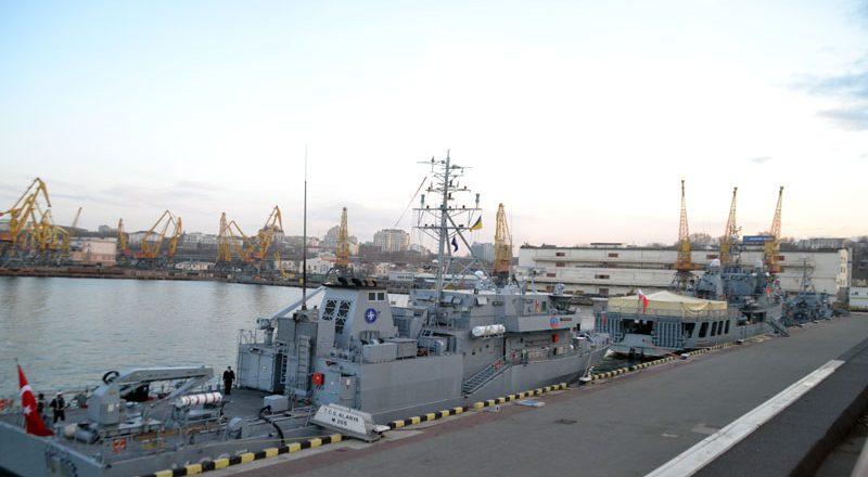 V Odessu zashla boevaja gruppa korablej NATO (11)