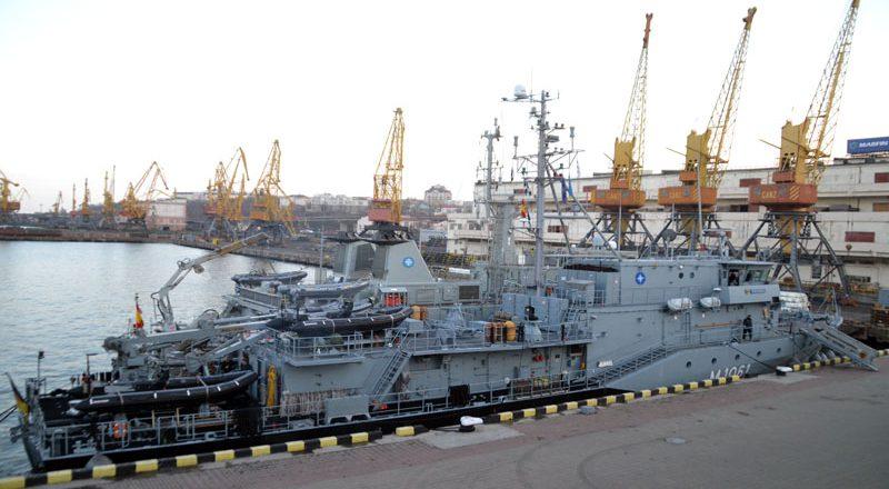 V Odessu zashla boevaja gruppa korablej NATO (2)