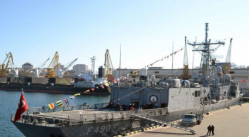 V Odessu zashla boevaja gruppa korablej VMS Turcii (2)