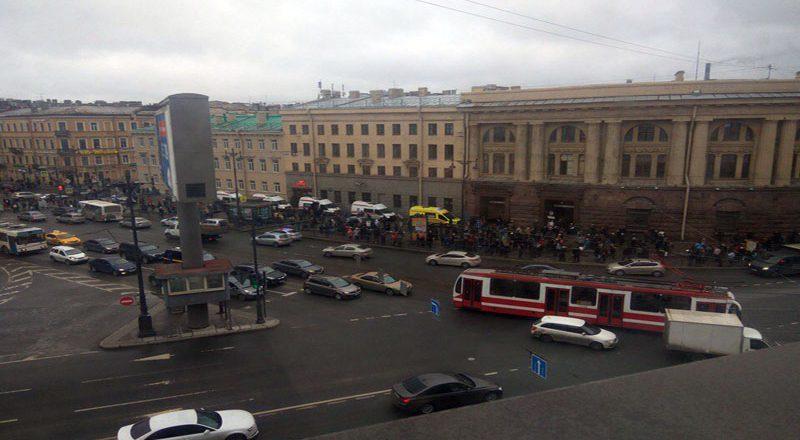 Vzryv v metro Sankt-Peterburga (2)