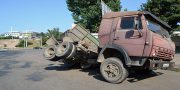 V Odesse vozle avtovokzala perevernulas' fura (1)