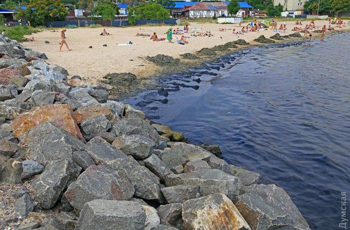 Грязь и вонь на пляже в Крыжановке