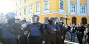 Policija ohranjaet Rezvushkina