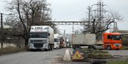 V Odesse zhiteli Shkodovoj gory perekryli proezd v «suhoj port» i trebujut otoplenija (3)