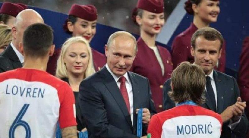 Футболист киевского «Динамо» отказался пожимать руку Путину (ВИДЕО)