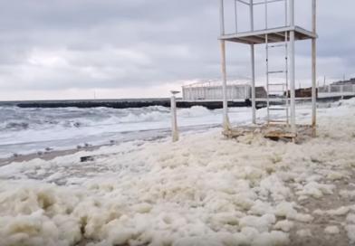 Необычное явление на пляжах Одессы (ВИДЕО, ФОТО)