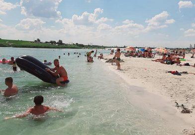 Ажиотаж на пляжах: в сети показали, что творится на украинских «Мальдивах», фото